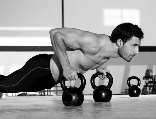 img/photodune-3709283-gym-man-pushup-strength-pushup-with-kettlebell-xs.jpg